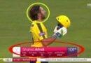 VIDEO:शाहिद अफरीदी ने टी 20 में ठोका पहला शतक, जड़े 17 छक्के-चौके, इतिहास रच तोड़ा महारिकॉर्ड